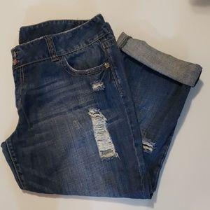 VANITY Distressed Denim Cropped Pants size 32
